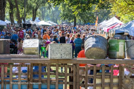 Crowds of shoppers at the Kansas Barn Sale
