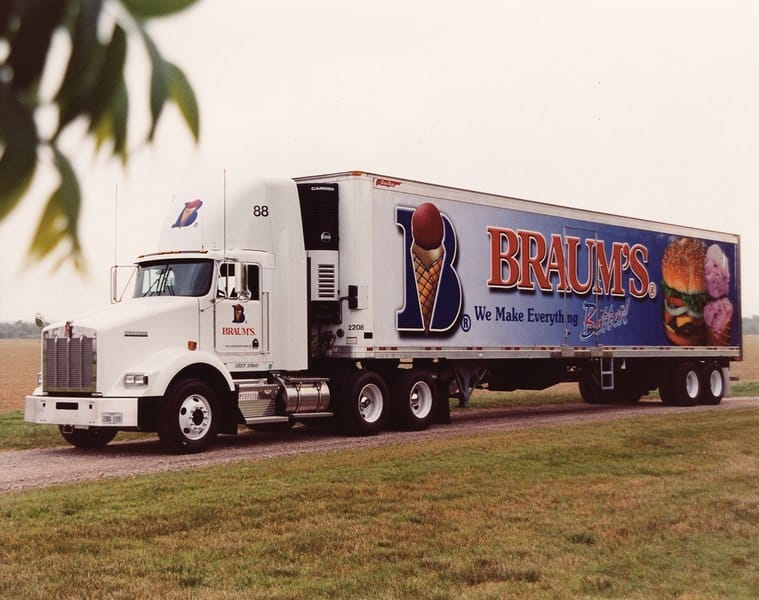 A Braum's truck delivering product to stores